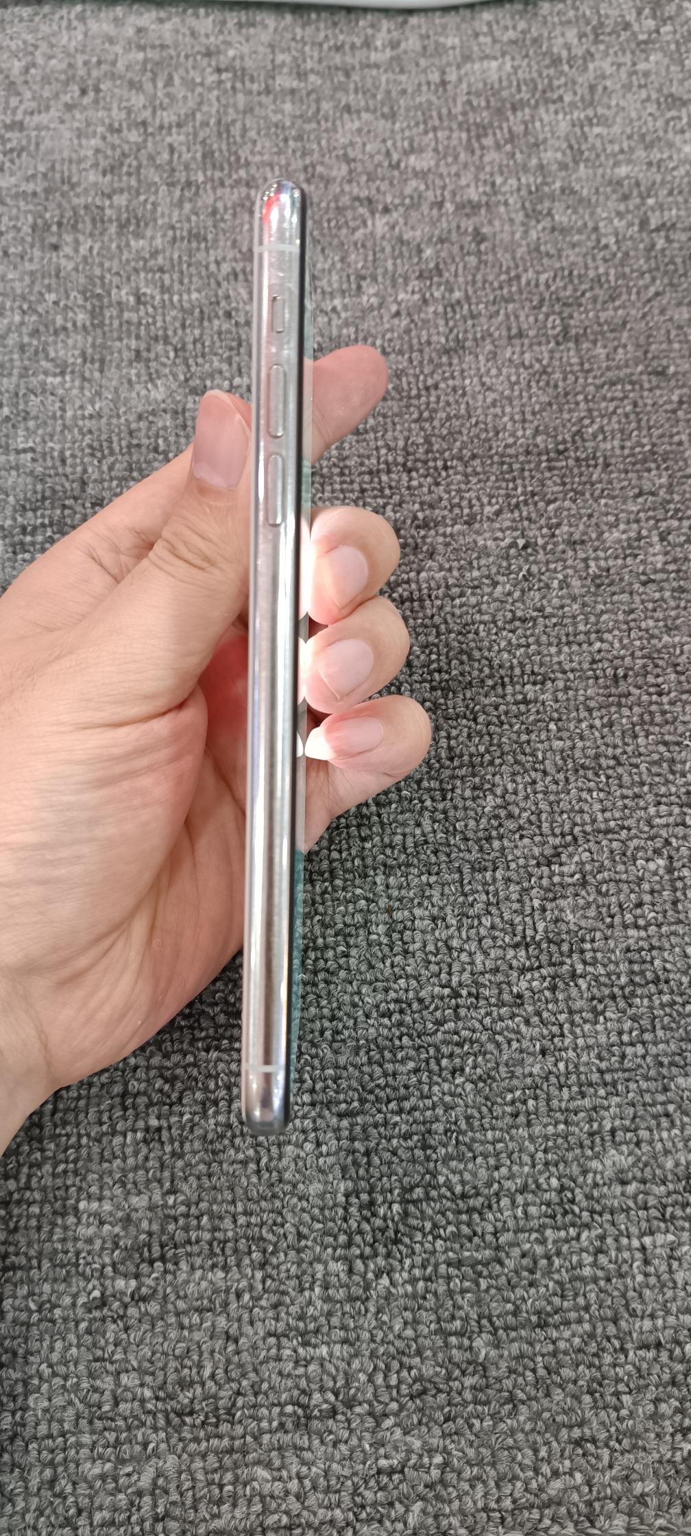 苹果【iPhone 11 Pro Max】8成新